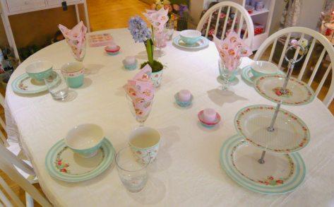 Tisch des Monats April