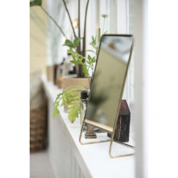 Table mirror inclined